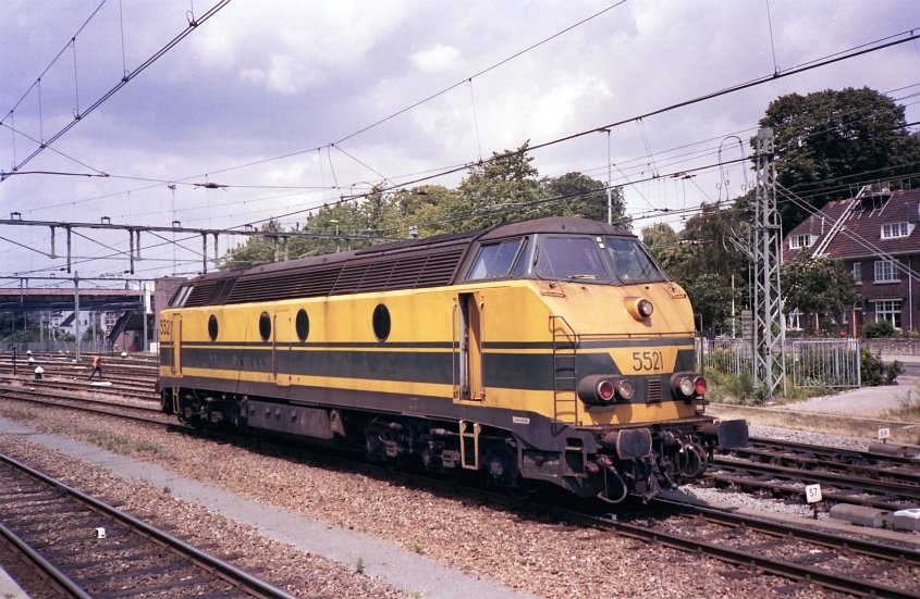 The NMBS diesellocomotive 5521 visiting the Dutch station of Maastricht. August 1990.