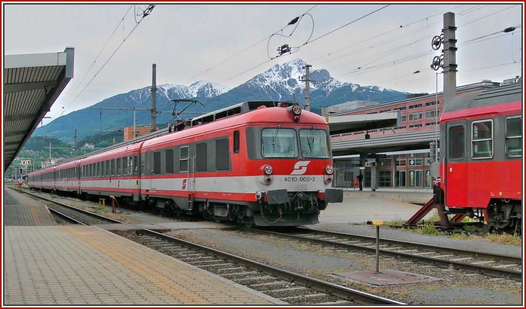 The ÖBB ET 4010 008-3 in Innsbruck. 