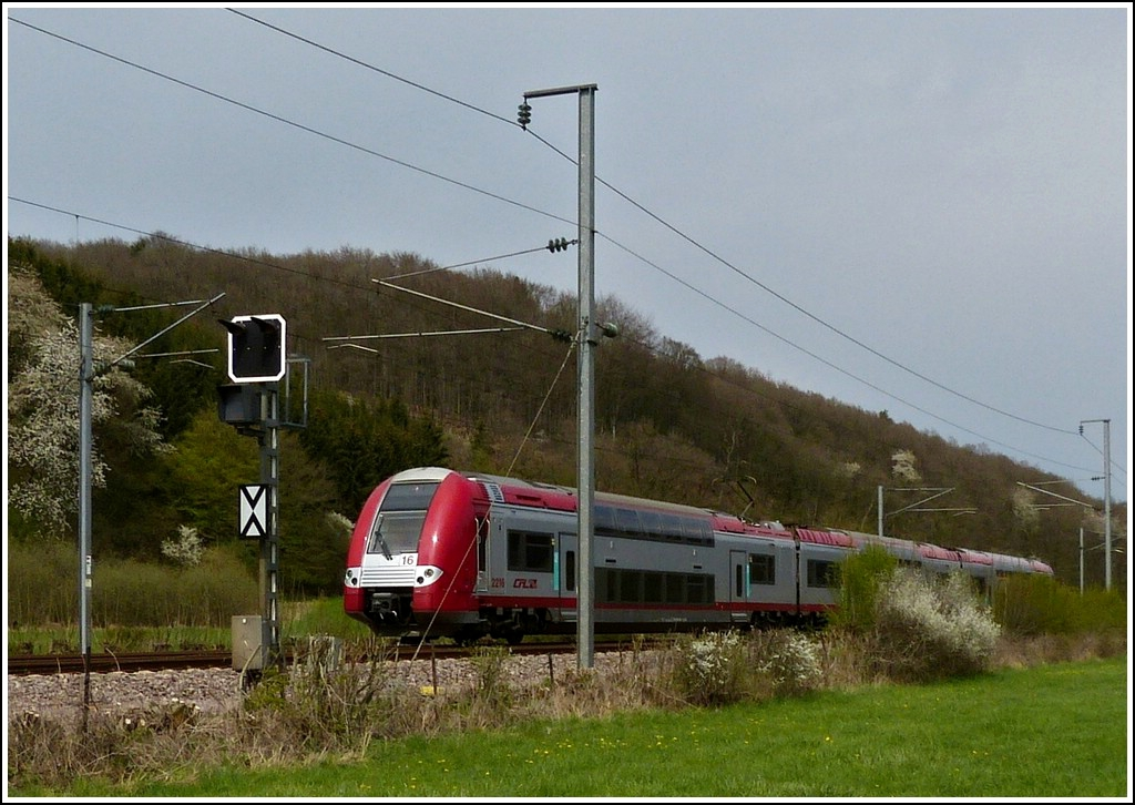 The RB 3238 Wiltz - Luxembourg City is running through Erpeldange/Ettelbrück on April 14th, 2012.