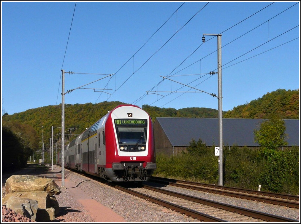 The RB 3240 Wiltz - Luxembourg City is running through Erpeldange/Ettelbrück on October 15th, 2011.