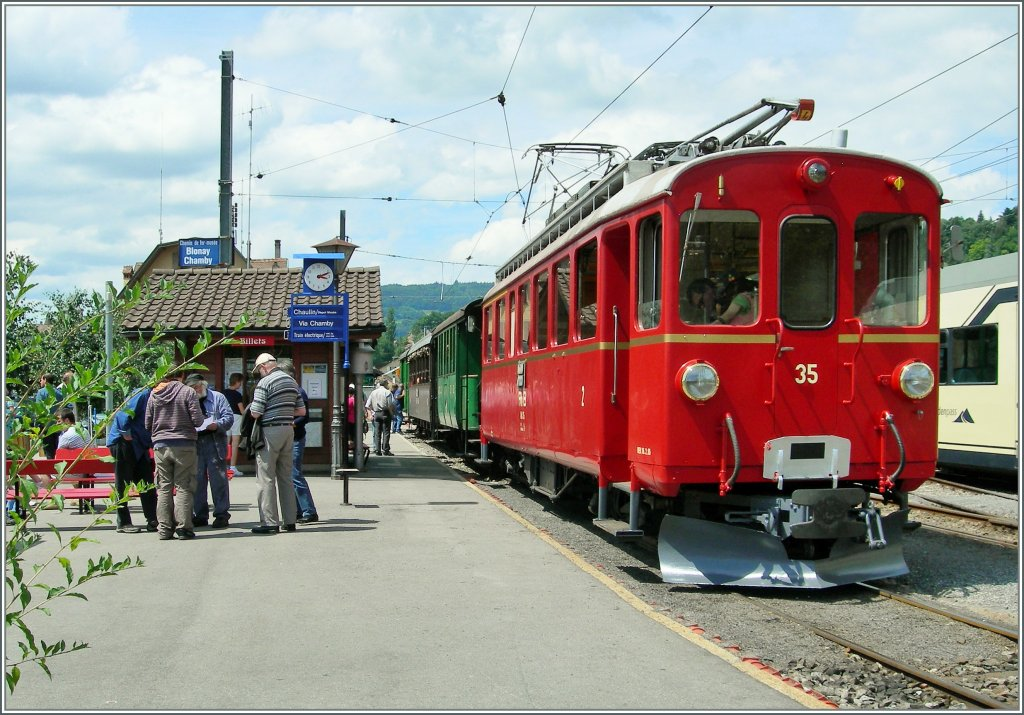The RhB Bernina ABe 4/4 35 by the Blonay Chamby Railways. 