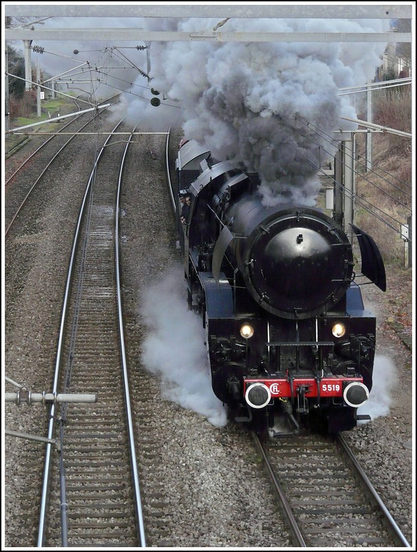 The steam locomotive 5519 is running between Ettelbück and Schieren on January 25th, 2009.