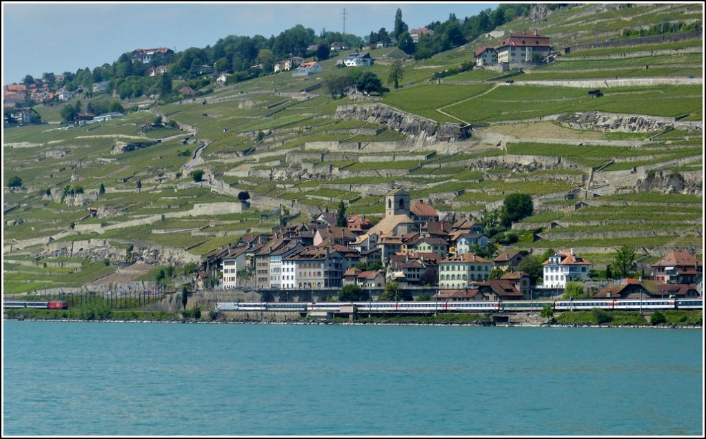 The vine terraces of Lavaux are a nice background for the meeting of two IR in St Saphorin on May 26th, 2012.
