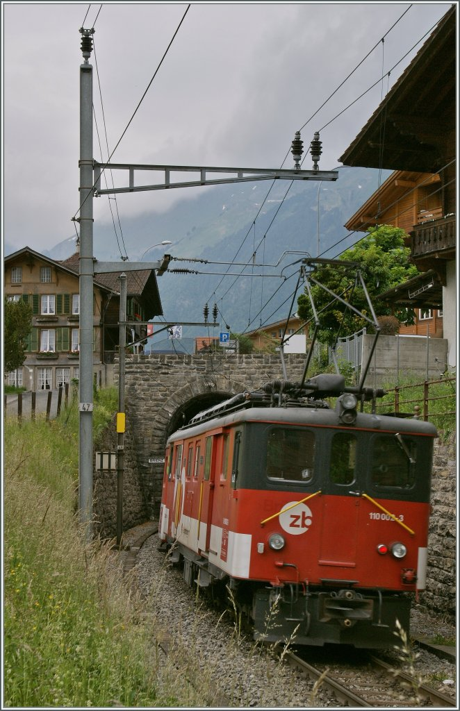 The  Zentralbahn  De 110 002-3 by Brienz. 