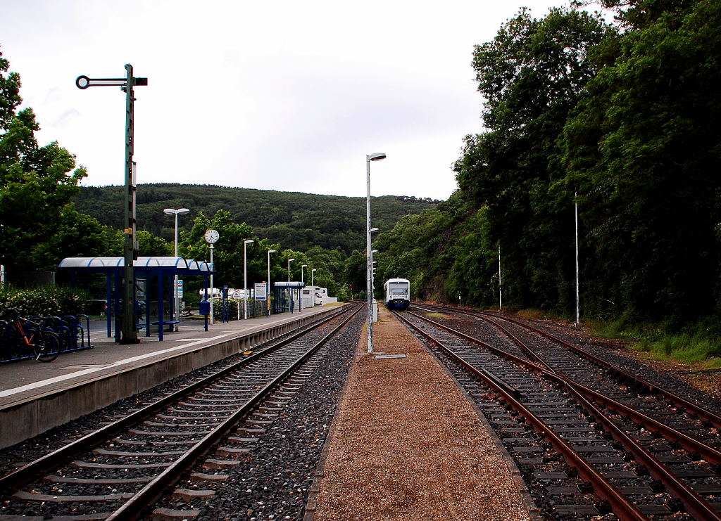 This photo shows the endstation of Heimbach Eifel, here is the end of Rurvalleyline from Düren to Heimbach. The line is owned bei the Rurtalbahn Companie. I've made this photo on an rainy saturday. 16th of june 2012