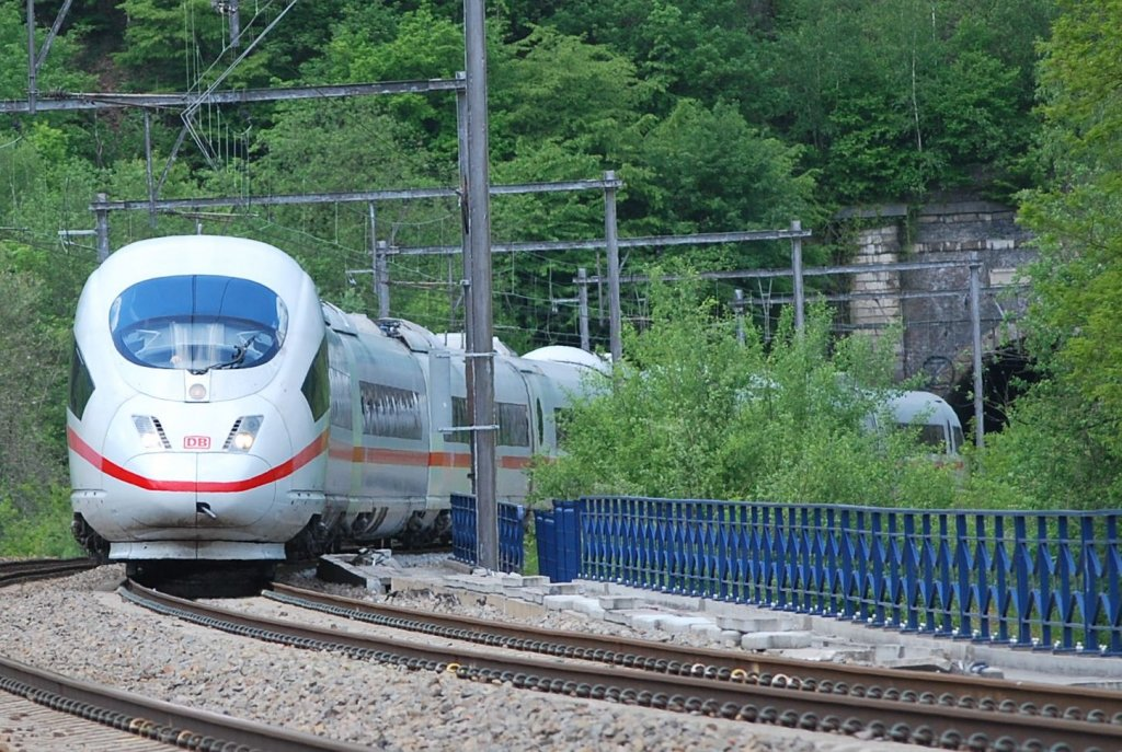 Unexpected ICE Brussels-Frankfurt diverted on line 37 passing Goffontaine (B) in May 2010.