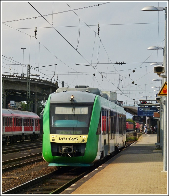 Vecturs VT 265 to Limburg (Lahn) is waiting for passengers in Koblenz main station on July 28th, 2012.