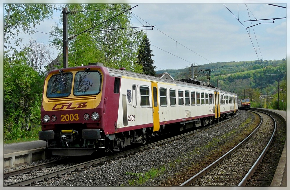 Z 2003 is leaving the station of Mertert on April 17th, 2011.