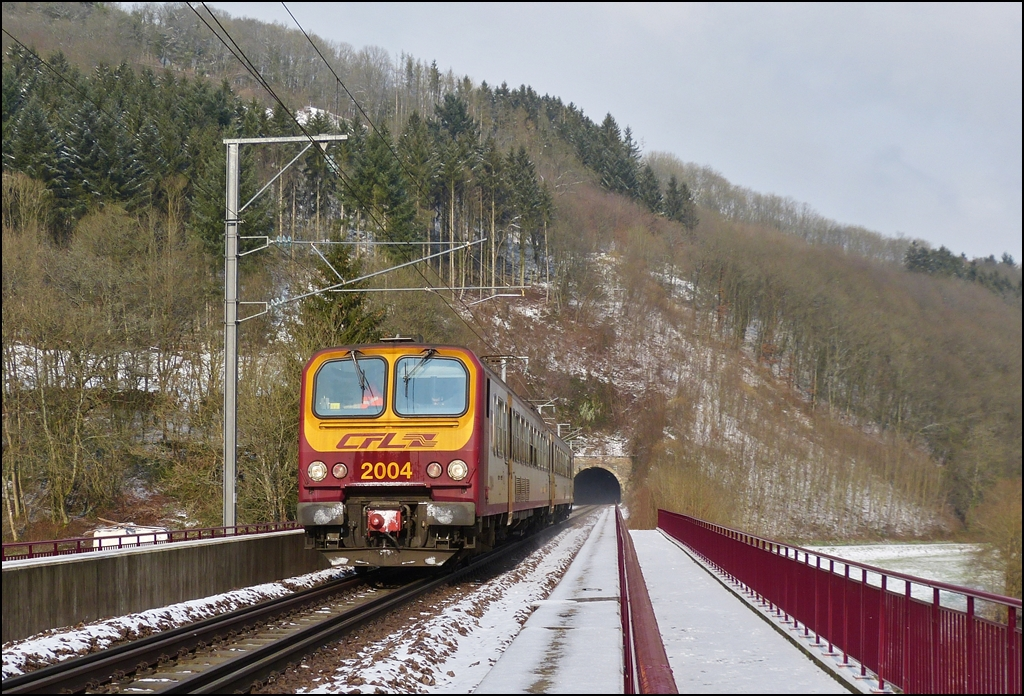 Z 2004 is running on the Sûre bridge in Michelau on February 9th, 2013.