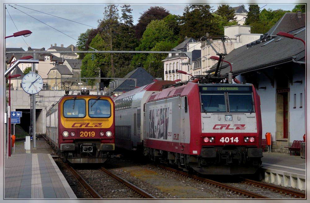 Z 2019 and 4014 photographed in Wiltz on May 18th, 2011.
