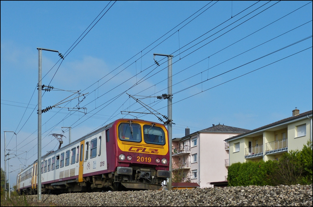 Z 2019 is running between Mersch and Lintgen on October 25th, 2012.