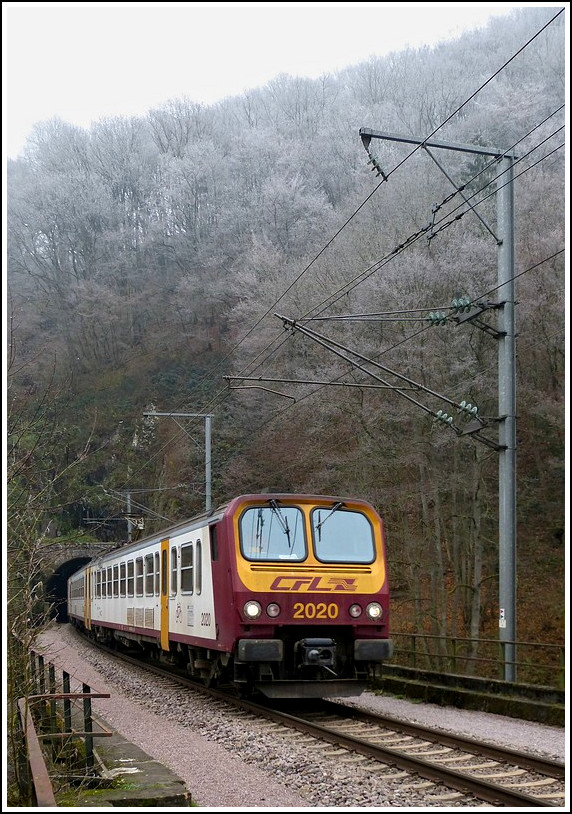 Z 2020 is leaving the tunnel Féischterhaff near Goebelsmühle on November 16th, 2011.
