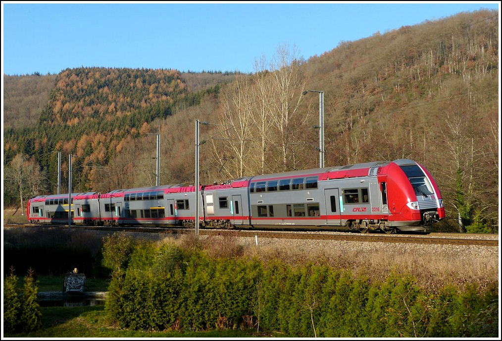 Z 2216 is leaving the stop Drauffelt on November 15th, 2011.