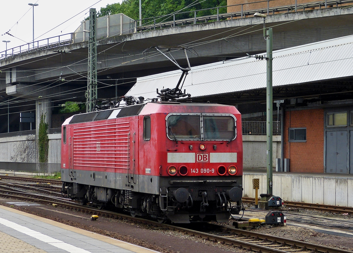 . 143 090-9 pictured in Koblenz main station on May 27th, 2014.