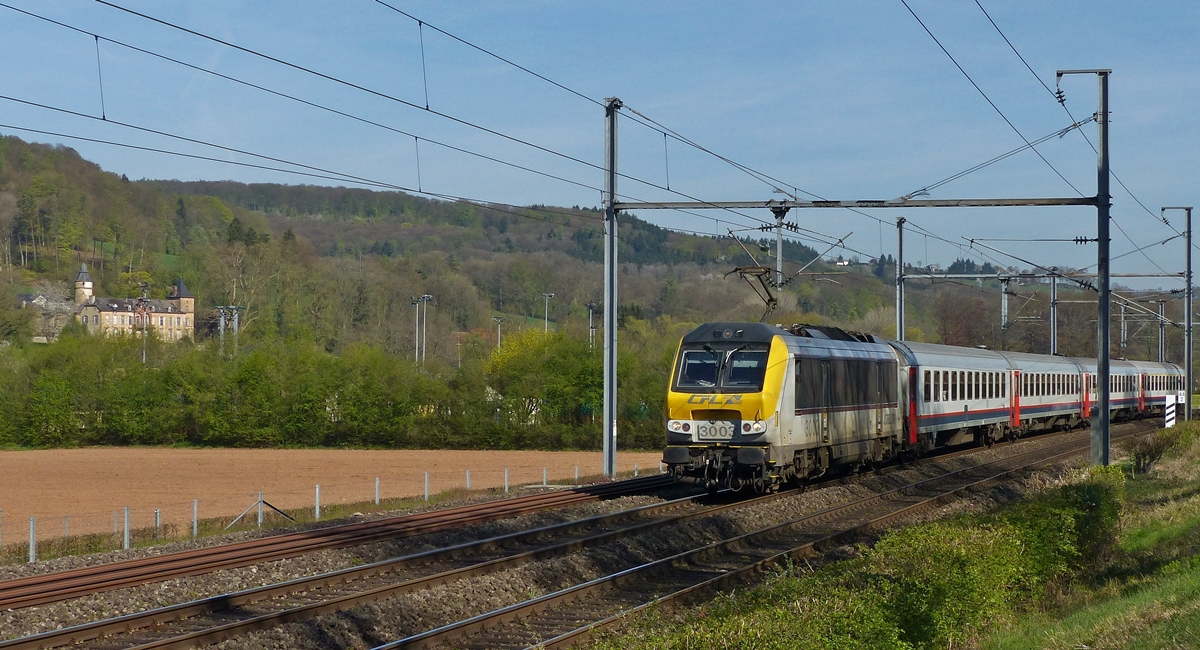 . 3003 is heading the IC 108 Liers - Luxembourg City in Schiren on April 21st, 2015.