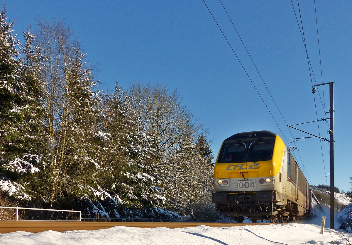 . 3004 is heading the IC 113 Luxembourg City - Liers in Maulusmühle on December 28th, 2014.
