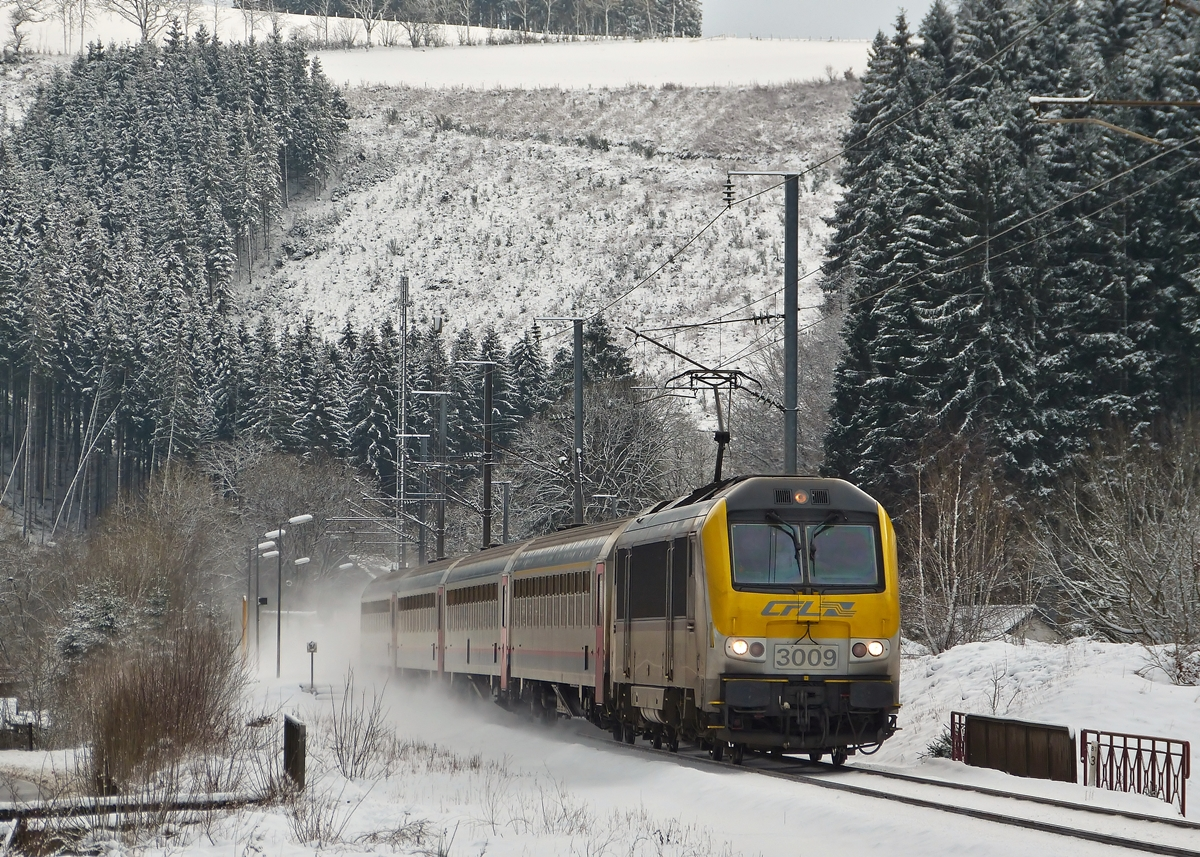 . 3009 is heading the IC 113 Luxembourg City - Liers in Maulusmühle on February 2nd, 2015.