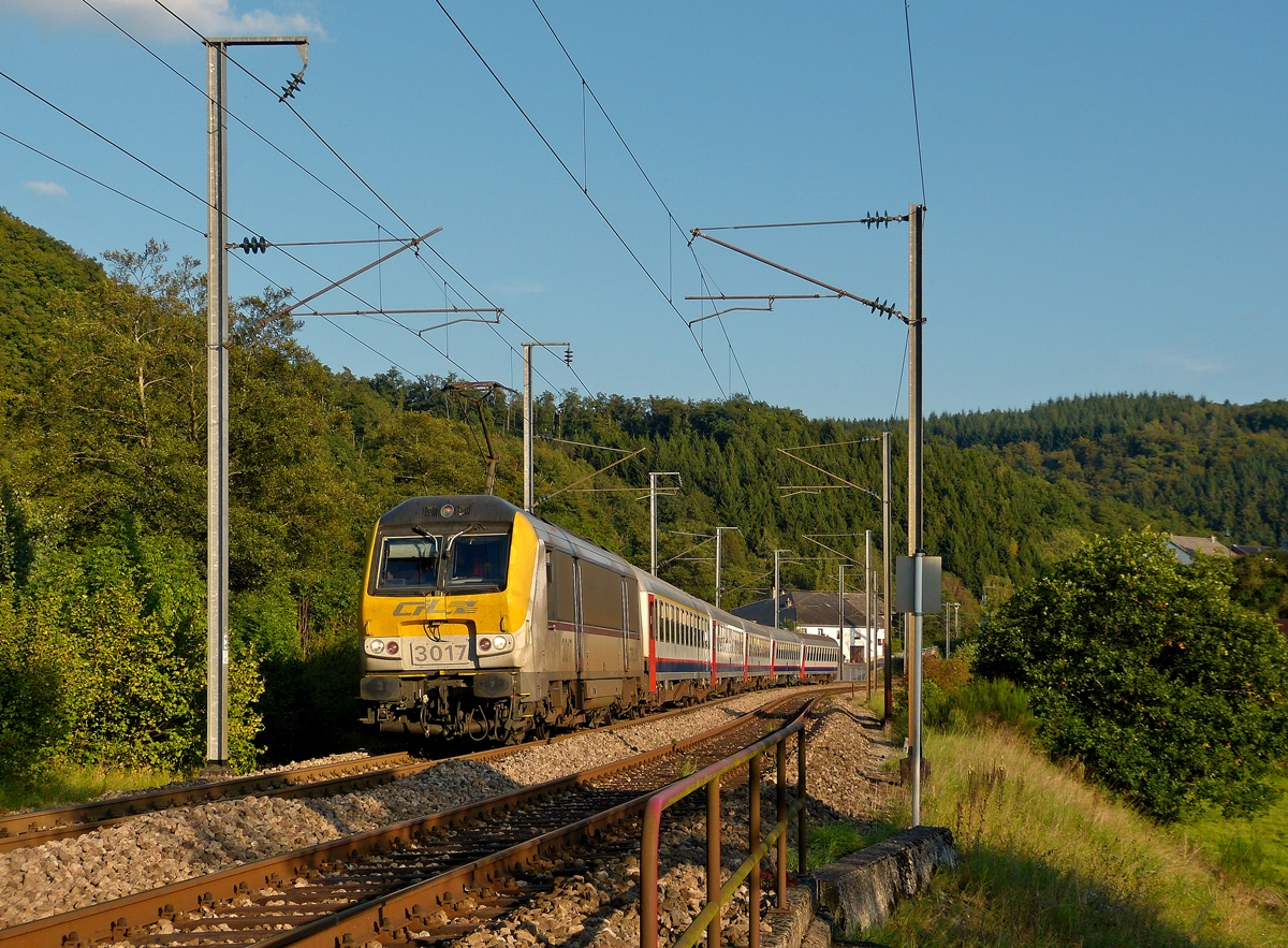 . 3017 is heading the IR 118 Luxembourg City - Liers in Drauffelt on September 16th, 2014.