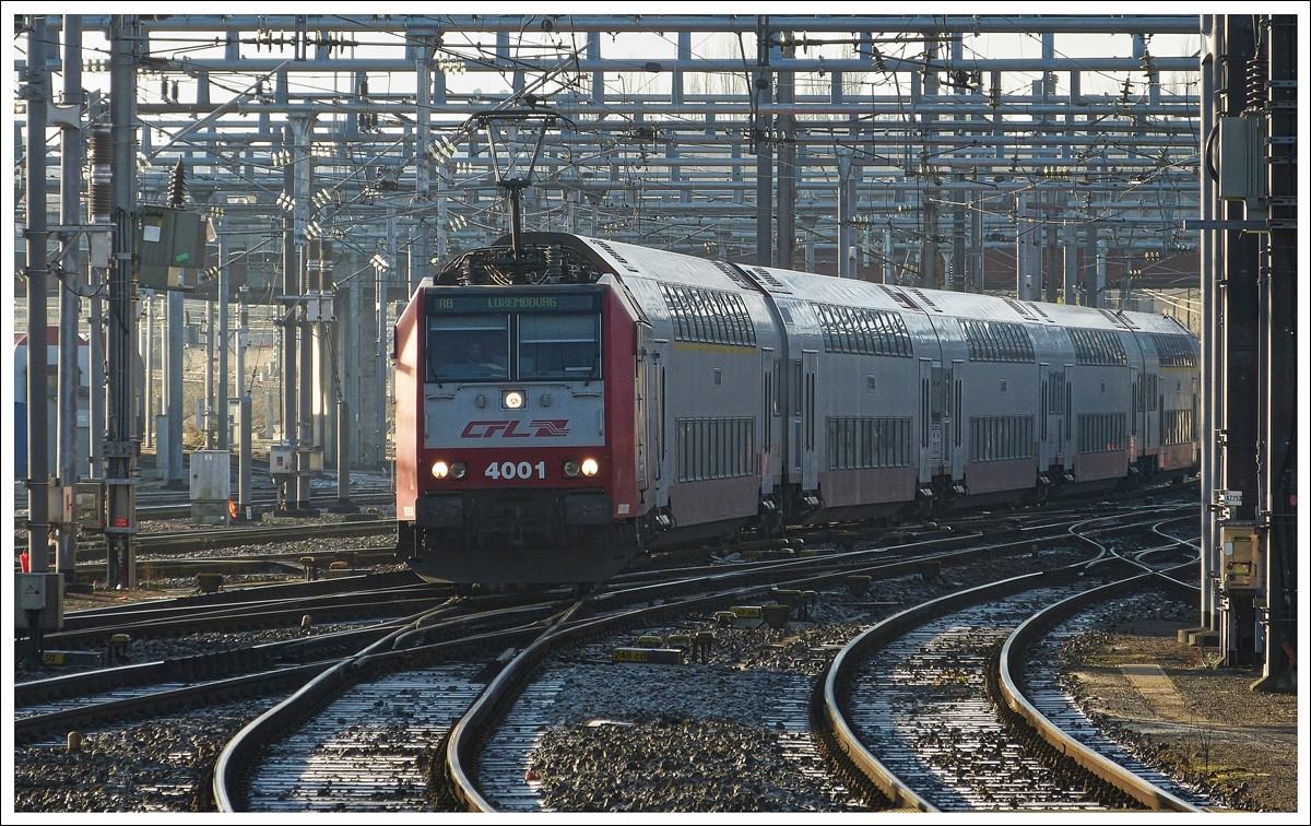 . 4001 is entering into the station of Luxembourg City on December 16th, 2013.