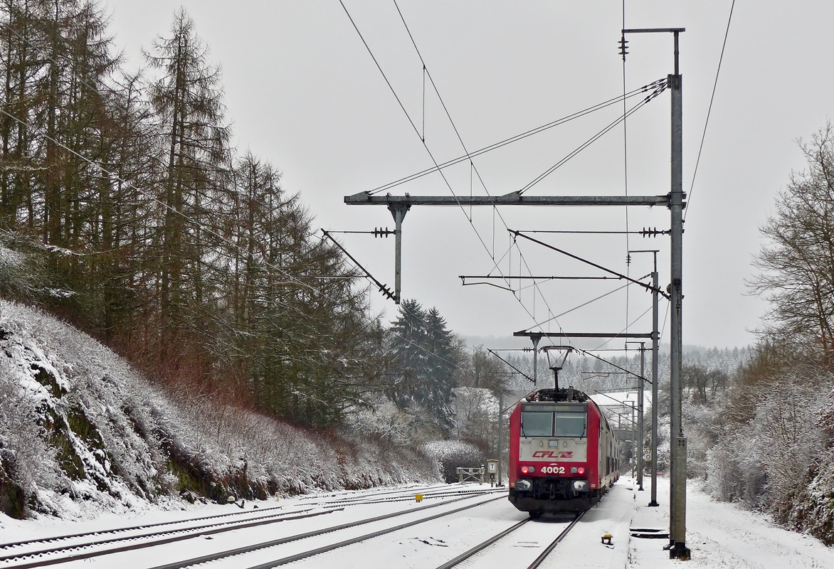 . 4002 photographed in Wilwerwiltz on December 27th, 2014.