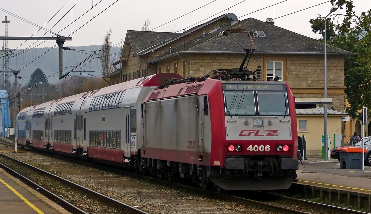 . 4006 pictured with bilevel cars in Ettelbrück on November 6th, 2014.