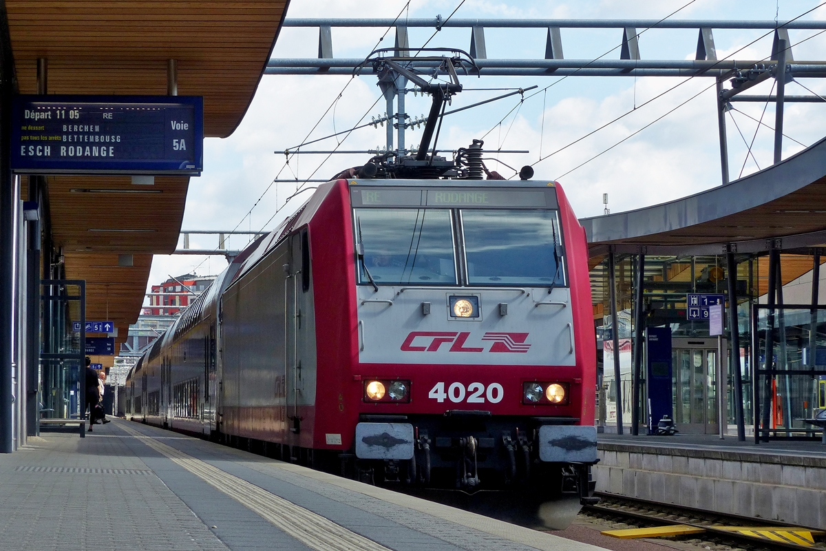 . 4020 with RE to Rodange a is waiting for passengers in Luxembourg City on July 15th, 2014.