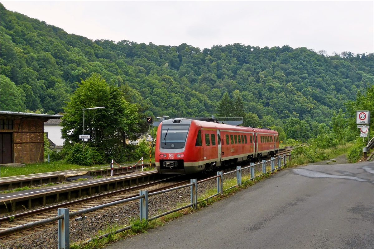 . 612 143 is leaving the station of Balduinstein on May 26th, 2014.