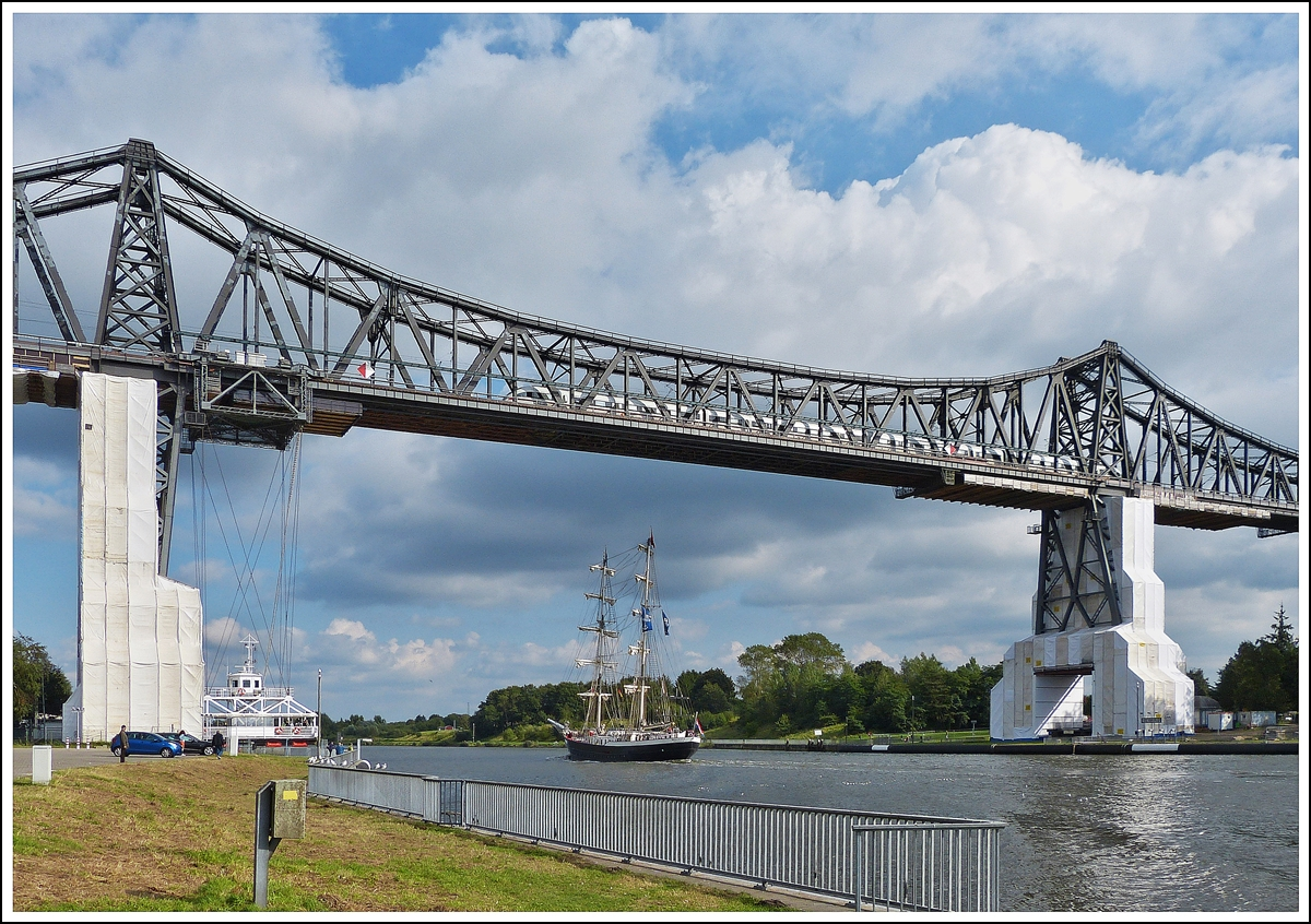 . A ICE-TD is crossing the Rendsburger Hochbrücke in Rendsburg on September 28th, 2013.