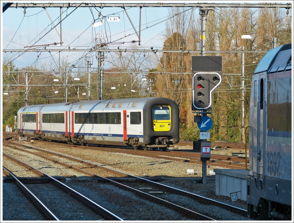 . AM96 451 is arriving in Brugge on November 23rd, 2013.