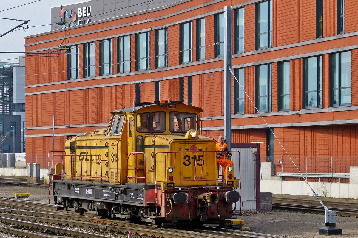 . CFL Cargo 315 is shunting in Esch/Belval on March 7th, 2014.