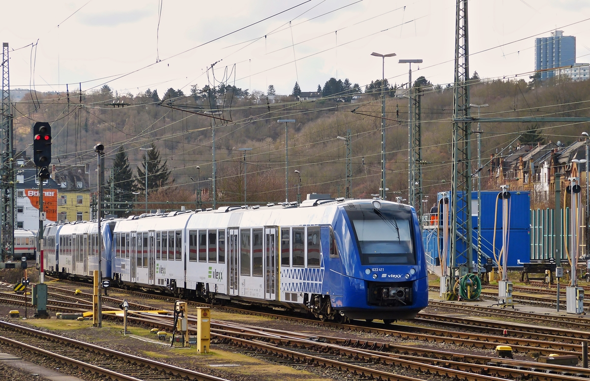 . Several VLEXX 622 units pictured in Koblenz main station on March 2nd, 2015.