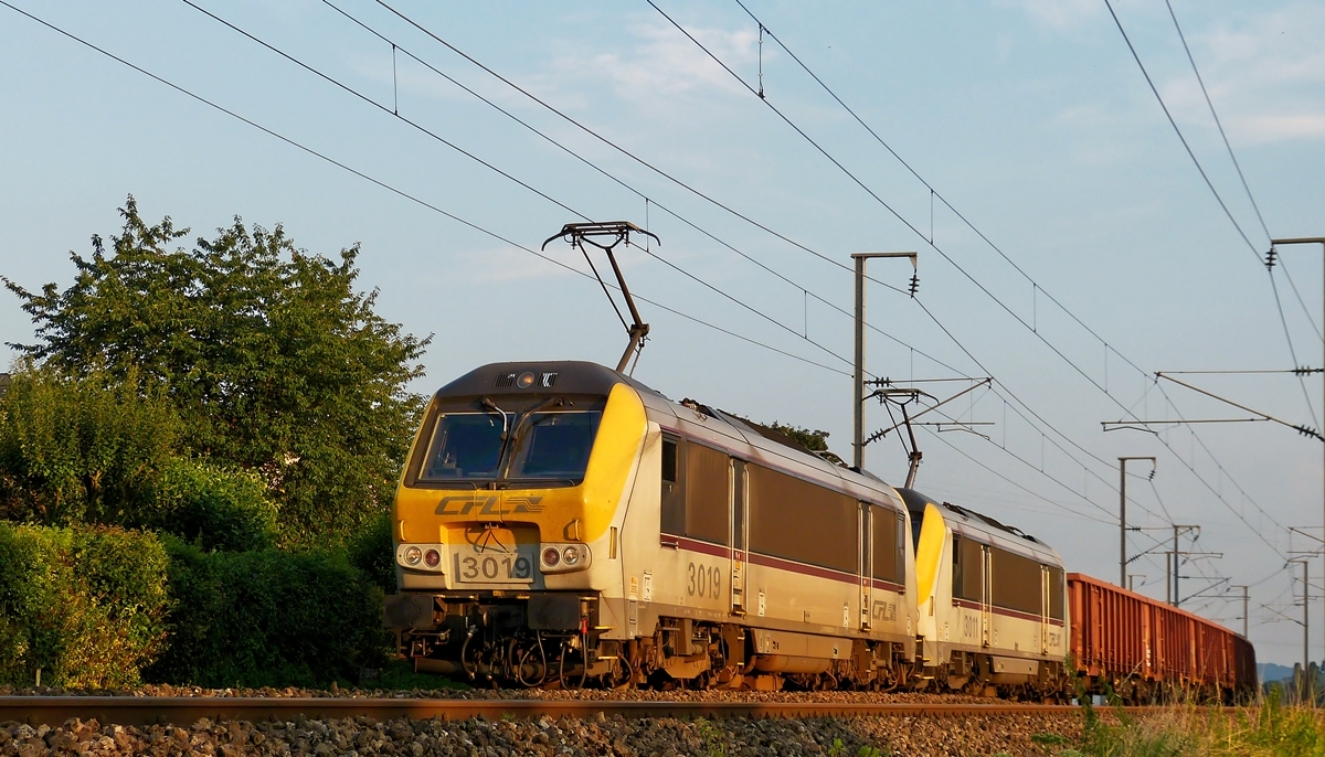 . Série 3000 double header pictured near Mersch on August 1st, 2014.