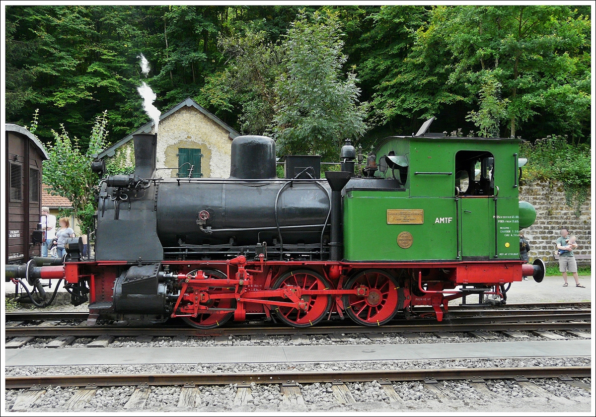 . The AMTF steam locomotive Anna N° 9 is heading its heritage train in Fond de Gras on August 17th, 2008.