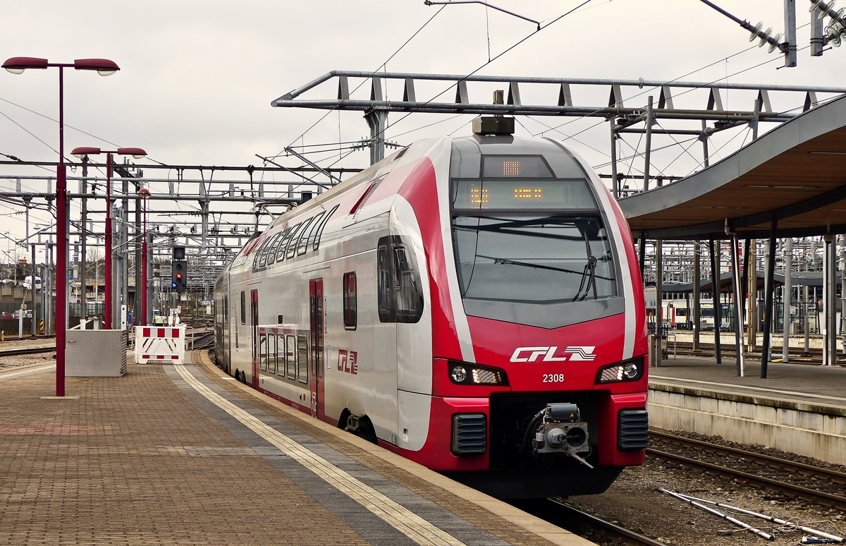 . The CFL KISS Z 2308 is entering into the station of Luxembourg City on February 27th, 2015.
