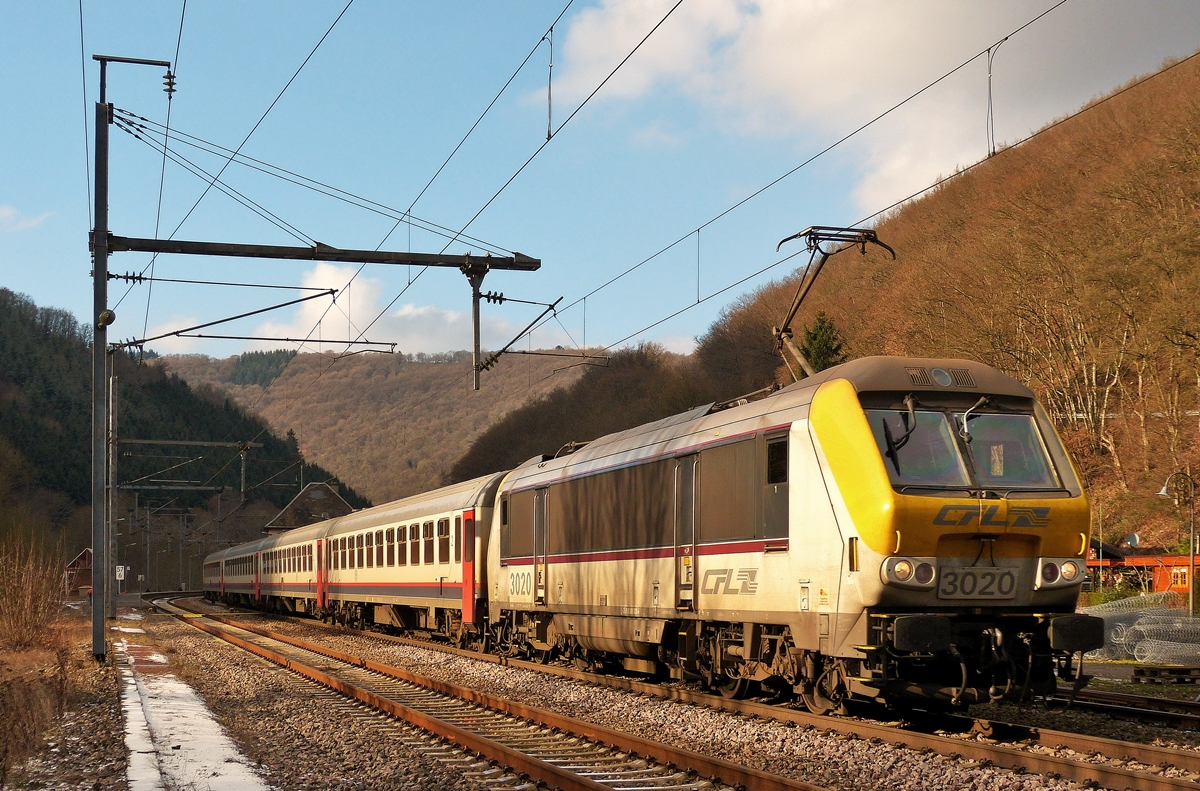 . The IC 112 Liers - Luxembourg City is arriving in Goebelsmühle on January 20th, 2015.