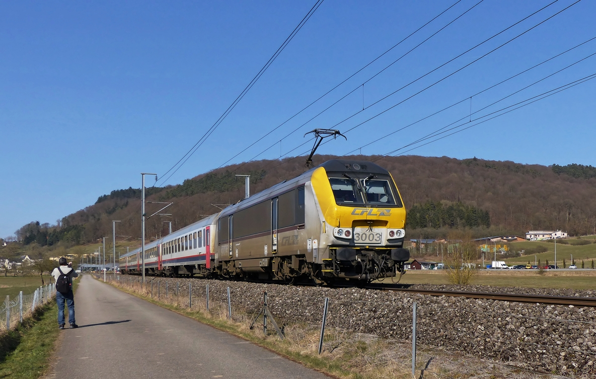 . The IC 112 Liers - Luxembourg City is running between Mersch and Lintgen on March 12th, 2015.