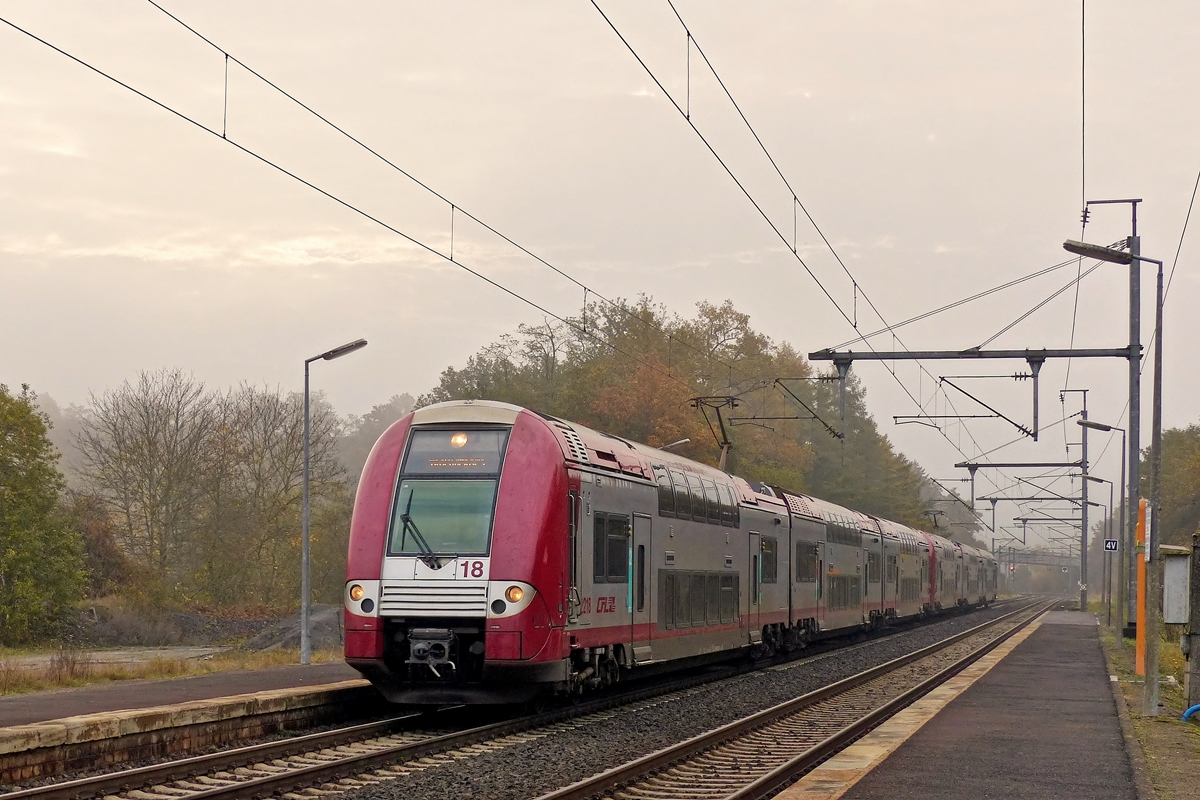 . The IR 3708 Luxembourg City - Troisvierges is arriving in Wilwerwiltz on October 31th, 2014.