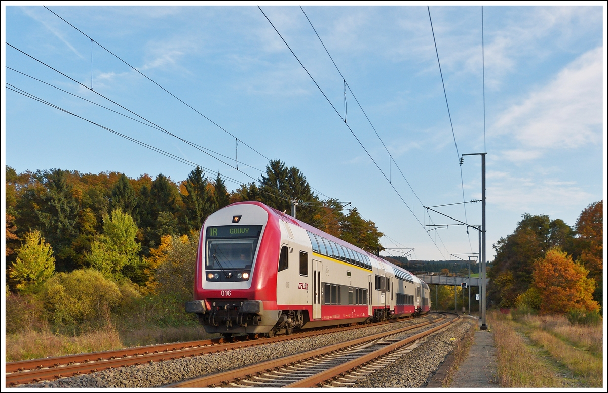 . The IR 8641 Luxembourg City - Gouvy is running through Wilwerwiltz on October 22nd, 2013.