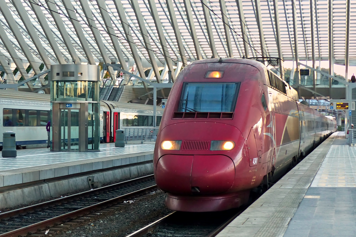 . The PBKA Thalys 4341 is arriving in Liège Guillemins on October 20th, 2014.