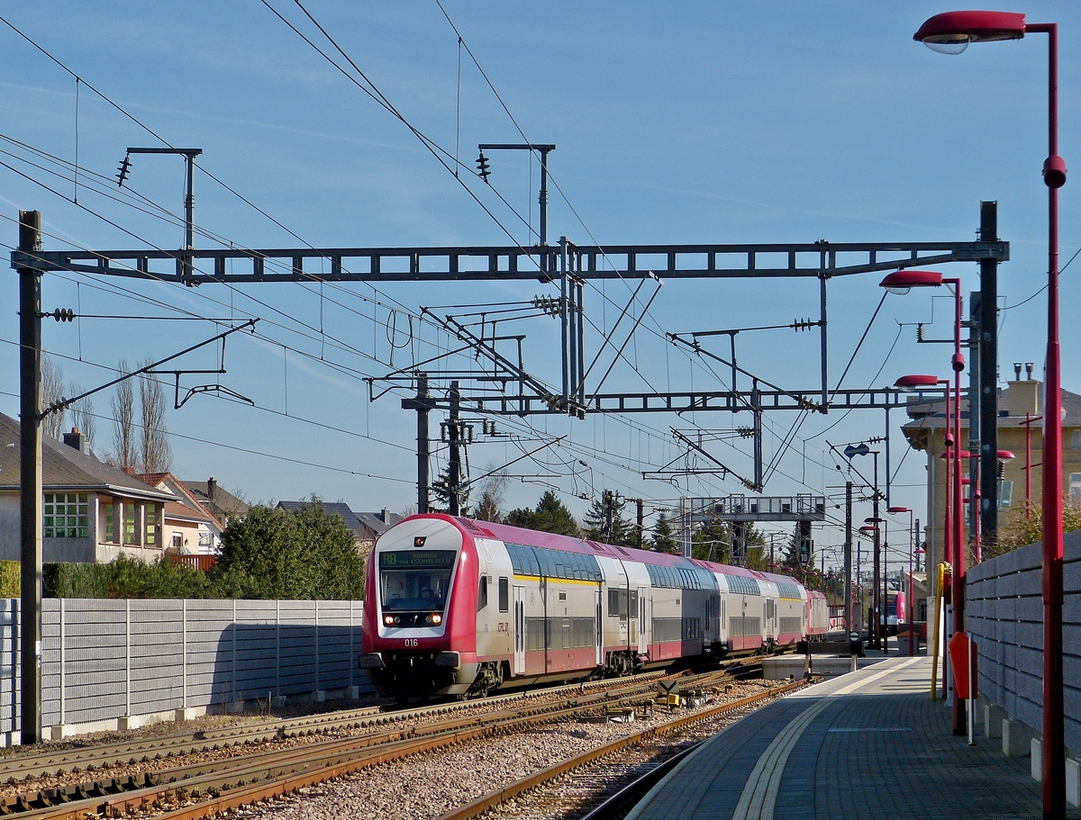 . The RB 6861 Luxembourg City - Rodange is leaving the station of Noertzange on February 24th, 2014.