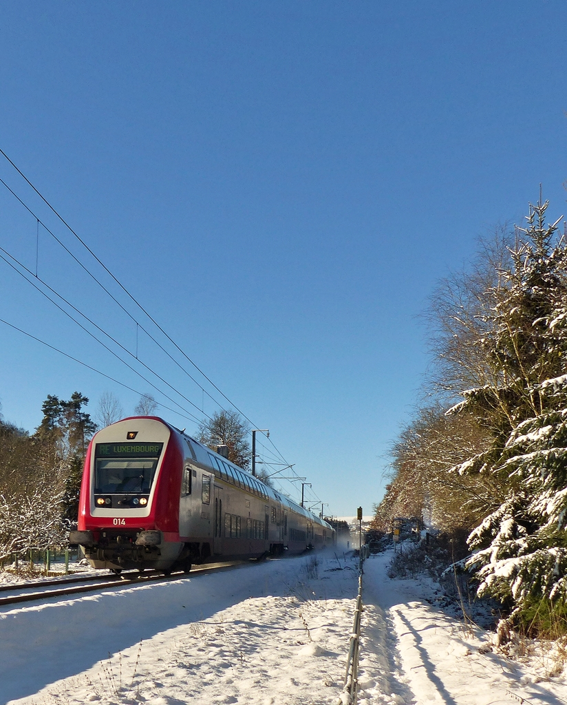 . The RE 3787 Troisvierges - Luxembourg City is running between Troisvierges and Maulusmühle on December 28th, 2014.