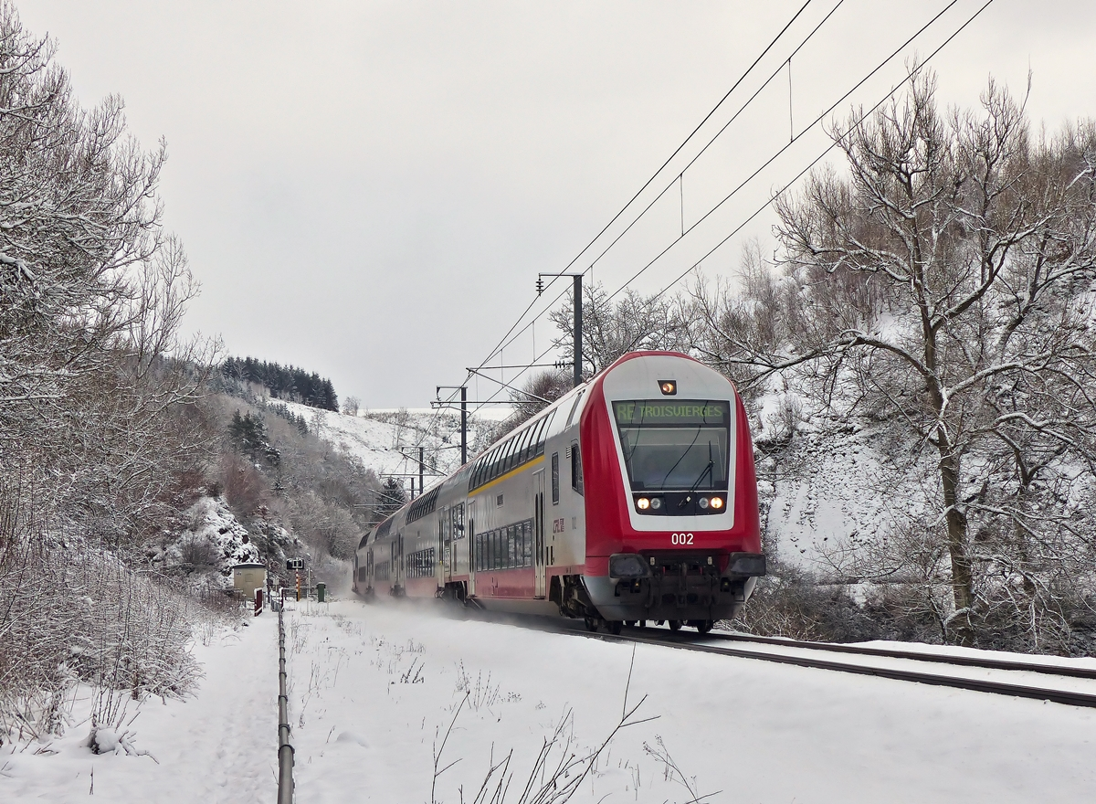 . The RE 3810 Luxembourg City - Troisvierges is running between Maulusmühle and Sassel on February 2nd, 2015.