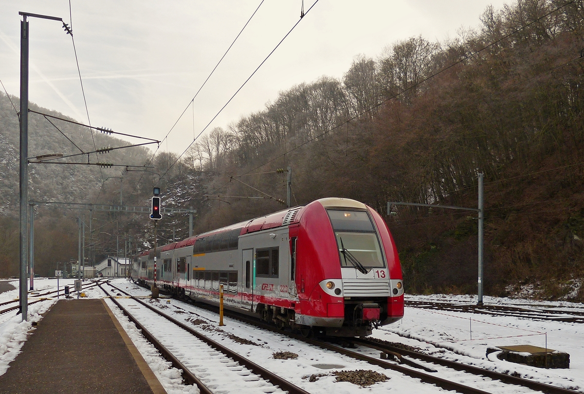. The RE 3813 Luxembourg City - Troisvierges in entering into the station of Kautenbach on January 6th, 2015.