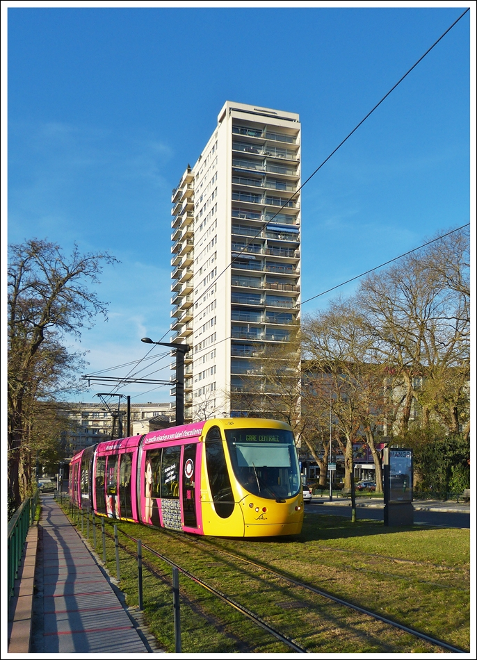 . The Soléa Citadis 302 N° 2016 is approaching the main station of Mulhouse on Deember 10th, 2013.