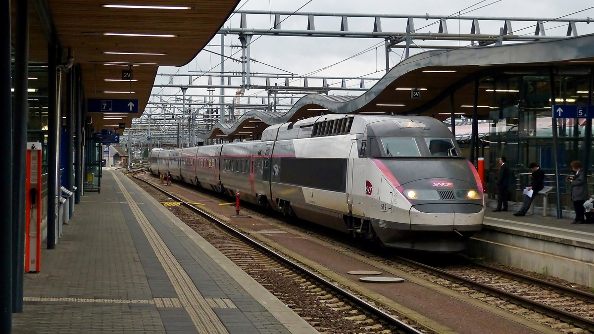 . The TGV Réseau 549 is arriving in Luxembourg City on November 3rd, 2014.