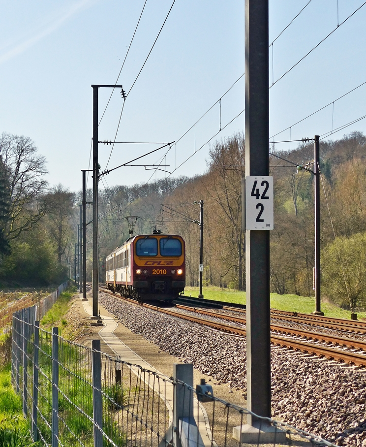 . Z 2010 is running between Cruchten and Colmar-Berg on April 21st, 2015.