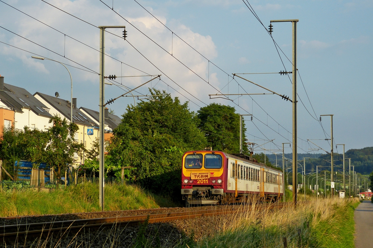 . Z 2011 is running between Lintgen and Mersch on August 1st, 2014.
