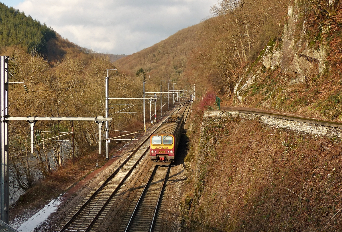 . Z 2013 as RE 3838 Troisvierges - Luxembourg City pictured near Goebelsmühle on January 20th, 2015.