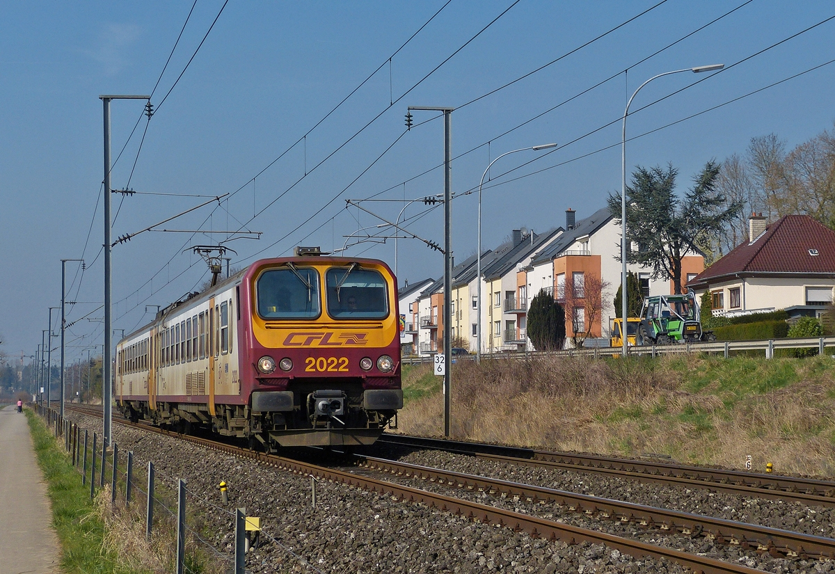 . Z 2022 is running through Rollingen/Mersch on March 14th, 2014.