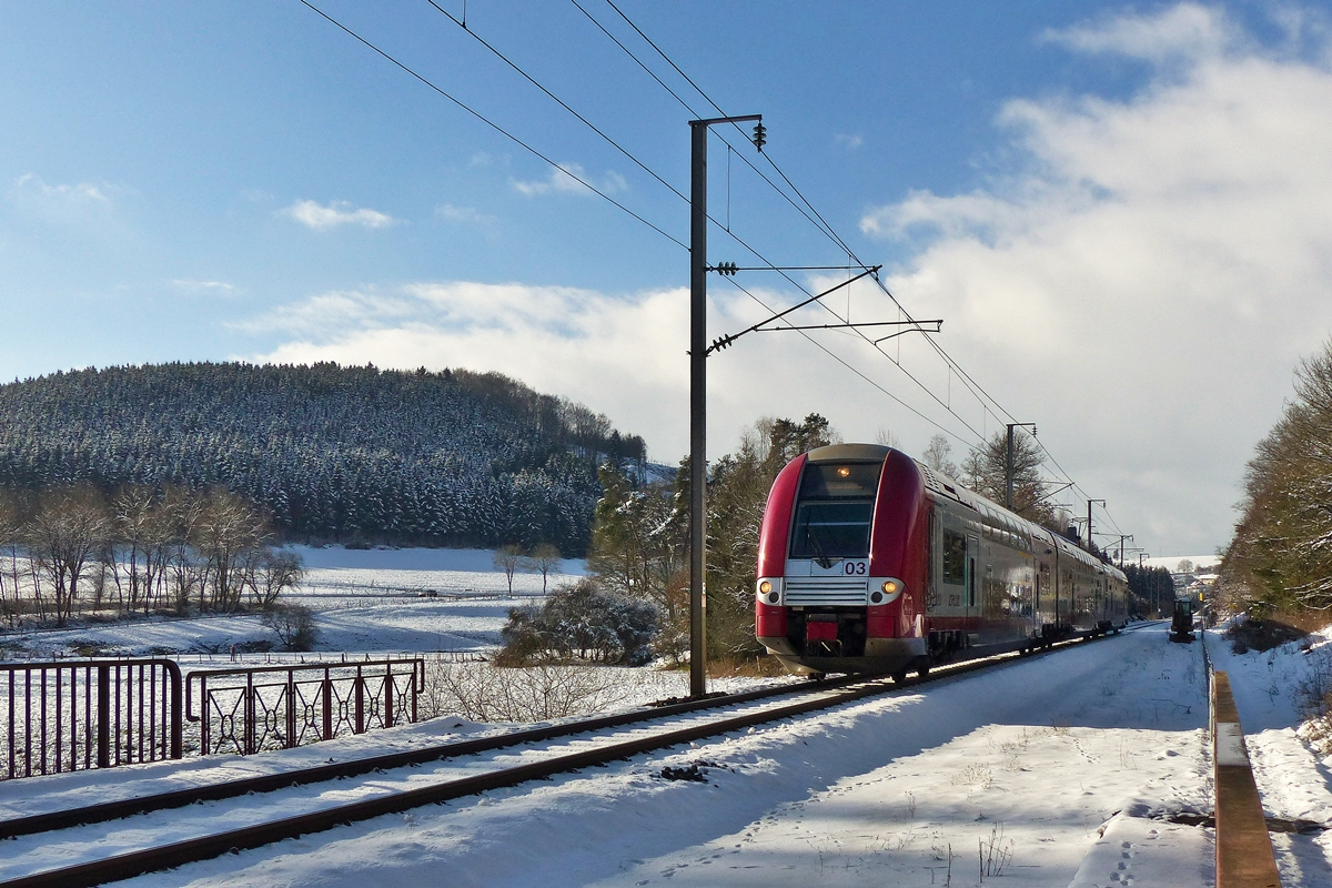 . Z 2203 as RE 3839 Troisvierges - Luxembourg City pictured  between Troisvierges and Maulusmühle on February 4th, 2015.